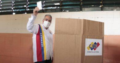 *Luis Eduardo Martínez: Muy fácil votar. Invito a hacerlo*